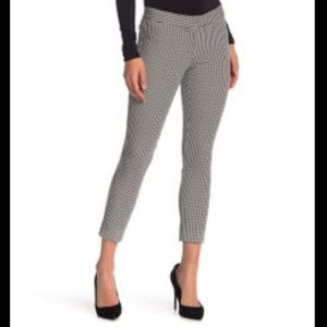 New Amanda & chelsea slim fit slacks size 2